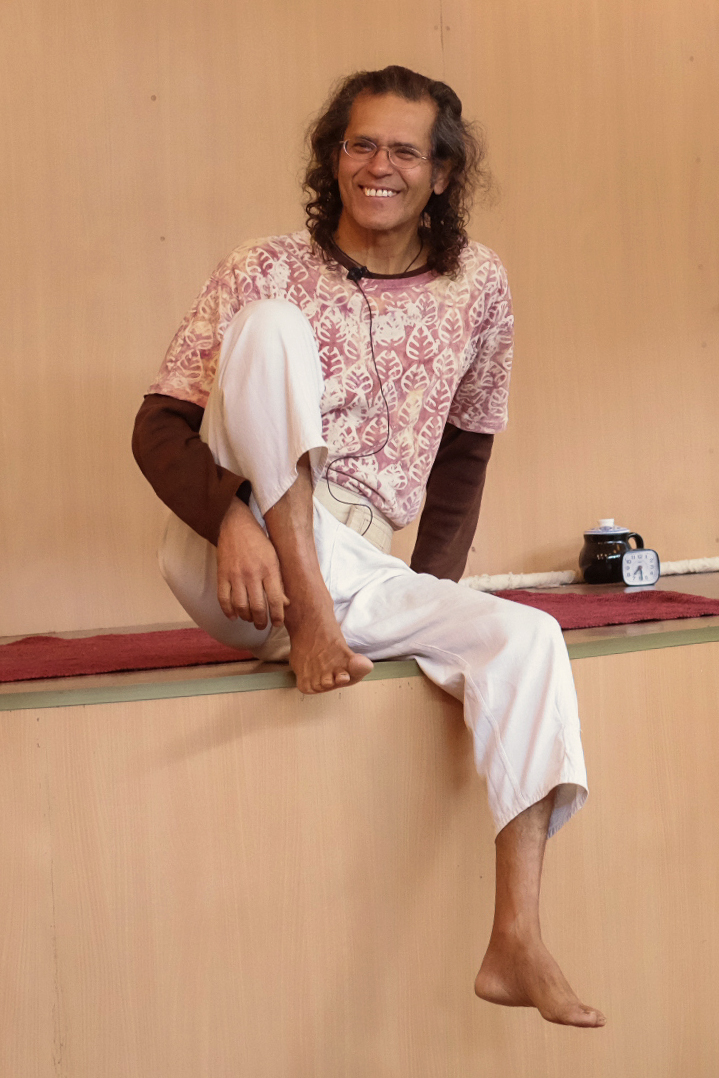 Sharat Arora at Himalayan Iyengar Yoga Centre
